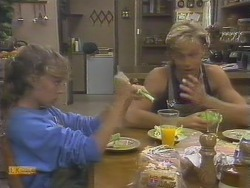 Charlene Mitchell, Scott Robinson in Neighbours Episode 0676