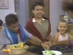 Todd Landers, Lucy Robinson, Katie Landers, Beverly Marshall in Neighbours Episode 0677