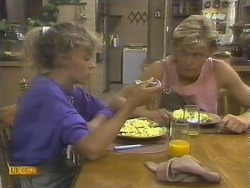 Charlene Mitchell, Scott Robinson in Neighbours Episode 0677