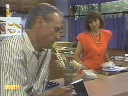 Jim Robinson, Beverly Marshall in Neighbours Episode 0677