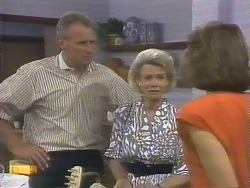Jim Robinson, Helen Daniels, Beverly Marshall in Neighbours Episode 0677