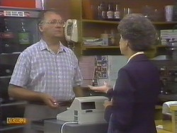 Harold Bishop, Nell Mangel in Neighbours Episode 0677