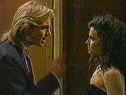 Scott Robinson, Sylvie Latham in Neighbours Episode 0822