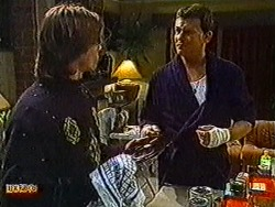 Mike Young, Des Clarke in Neighbours Episode 0822