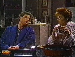 Paul Robinson, Gail Robinson in Neighbours Episode 0822