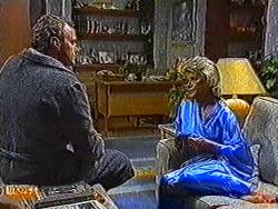 Jim Robinson, Helen Daniels in Neighbours Episode 0822