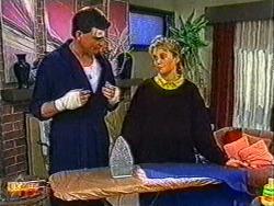 Des Clarke, Bronwyn Davies in Neighbours Episode 0822