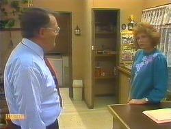 Harold Bishop, Madge Bishop in Neighbours Episode 0824