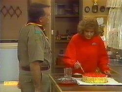 Harold Bishop, Madge Bishop in Neighbours Episode 0825