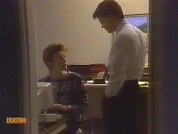 Gail Robinson, Paul Robinson in Neighbours Episode 0827