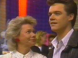 Helen Daniels, Paul Robinson in Neighbours Episode 0827