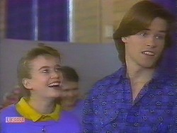 Bronwyn Davies, Mike Young  in Neighbours Episode 0828