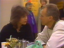 Beverly Marshall, Jim Robinson  in Neighbours Episode 0828