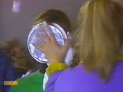 Jackie Vidor, Bronwyn Davies in Neighbours Episode 0828