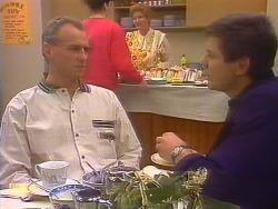 Jim Robinson, Joe Mangel  in Neighbours Episode 0828