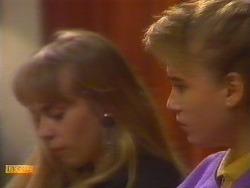 Jane Harris, Bronwyn Davies  in Neighbours Episode 0828