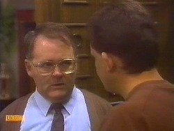 Harold Bishop, Des Clarke in Neighbours Episode 0830