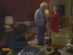 Joe Mangel, Jane Harris, John Worthington, Nell Mangel in Neighbours Episode 0831