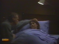 Jim Robinson, Beverly Marshall in Neighbours Episode 0831