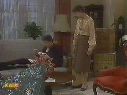 Joe Mangel, Nell Mangel in Neighbours Episode 0831