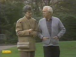 Nell Mangel, John Worthington in Neighbours Episode 0831