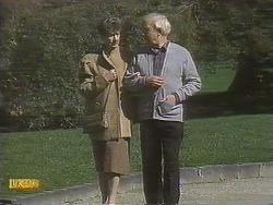 Nell Mangel, John Worthington in Neighbours Episode 0832