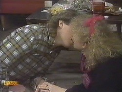 Nick Page, Sharon Davies in Neighbours Episode 0832