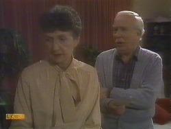 Nell Mangel, John Worthington in Neighbours Episode 0833