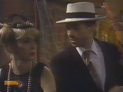 Jane Harris, Mike Young in Neighbours Episode 0833