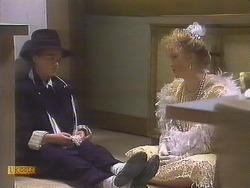 Bronwyn Davies, Sharon Davies in Neighbours Episode 0833