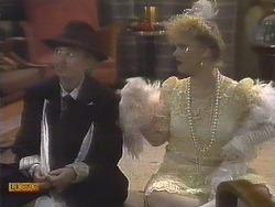 Bronwyn Davies, Sharon Davies in Neighbours Episode 0834