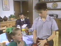 Katie Landers, Beverly Robinson, Todd Landers in Neighbours Episode 0834