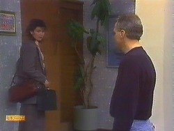 Beverly Marshall, Jim Robinson in Neighbours Episode 0836