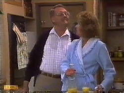 Harold Bishop, Madge Bishop in Neighbours Episode 0838