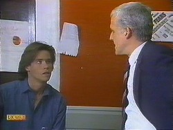 Mike Young, Kenneth Muir in Neighbours Episode 0839