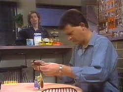 Mike Young, Des Clarke in Neighbours Episode 0840