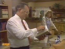 Harold Bishop, Madge Bishop in Neighbours Episode 0841