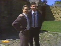Paul Robinson, Des Clarke in Neighbours Episode 0841
