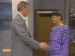 Jim Robinson, Beverly Marshall in Neighbours Episode 0841