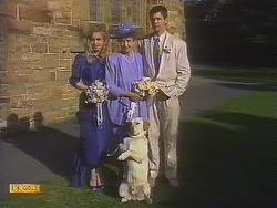 Jane Harris, Nell Mangel, Bouncer, Joe Mangel in Neighbours Episode 0841