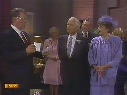 Harold Bishop, John Worthington, Nell Mangel in Neighbours Episode 0841