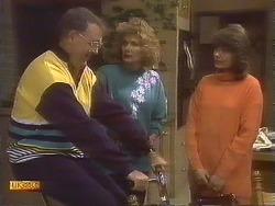 Harold Bishop, Madge Bishop, Beverly Marshall in Neighbours Episode 0842