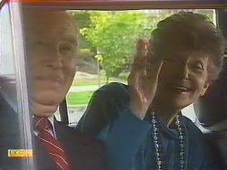 John Worthington, Nell Mangel in Neighbours Episode 0842