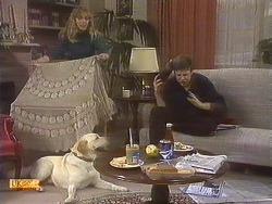 Jane Harris, Bouncer, Joe Mangel in Neighbours Episode 0842