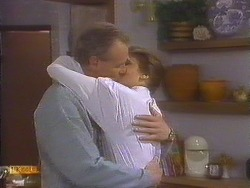 Jim Robinson, Beverly Marshall in Neighbours Episode 0844