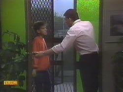 Todd Landers, Des Clarke in Neighbours Episode 0845