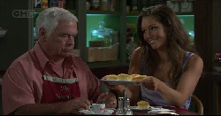 Lou Carpenter, Sienna Cammeniti in Neighbours Episode 5445