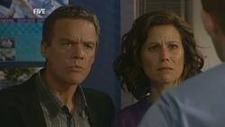 Paul Robinson, Rebecca Napier in Neighbours Episode 5931