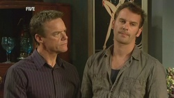 Paul Robinson, Lucas Fitzgerald in Neighbours Episode 5931