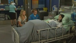 Donna Freedman, Ringo Brown, Naomi Lord in Neighbours Episode 5932